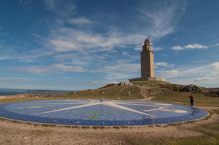 древний маяк башня геркулеса испания 6 (700x464, 43Kb)