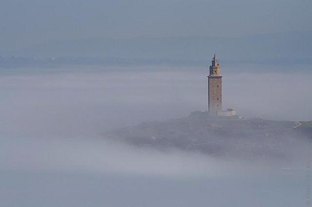 древний маяк башня геркулеса испания 8 (640x426, 19Kb)