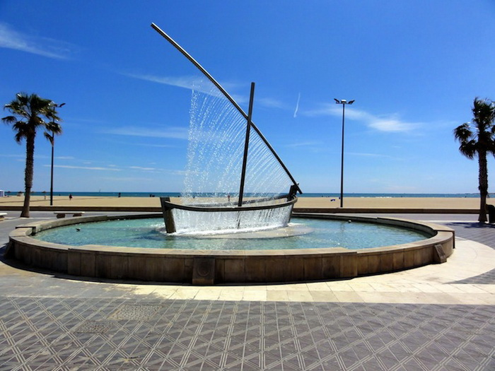3925073_valenciawaterboatfountain2 (700x525, 130Kb)