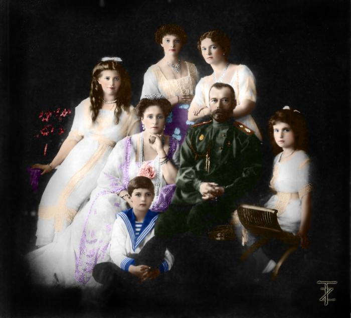 Семья Императора Николая II (700x634, 225Kb)