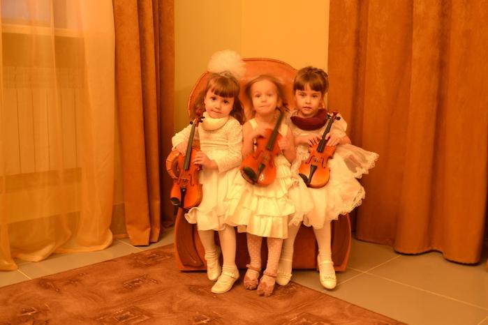 принцессы скрипачки/2838617_koncertprincessi (700x466, 213Kb)