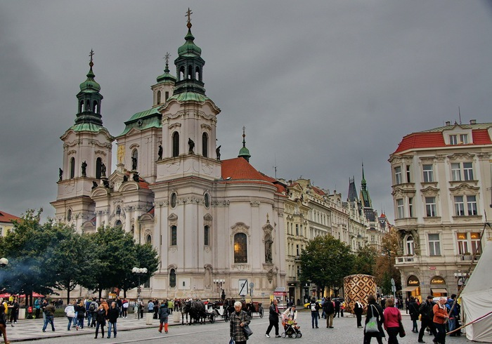Church_of_Saint_Nicolaus_in_Prague(Old_Town) (700x490, 121Kb)