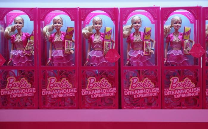 Barbie Dreamhouse Experience  дом барби в берлине 1 (700x433, 241Kb)