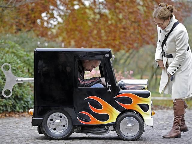 Wind Up самый маленький автомобиль в мире 2 (640x480, 52Kb)