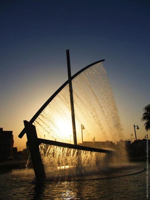 фонтан лодка в валенсии фото 1 (525x700, 277Kb)