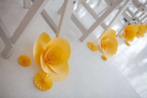 1369373853_yellow_paper_flowers (590x393, 24Kb)