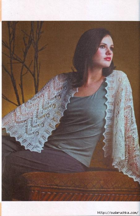 Узоры для вязания спицами шалей, палантинов, легких шарфов отличаются .