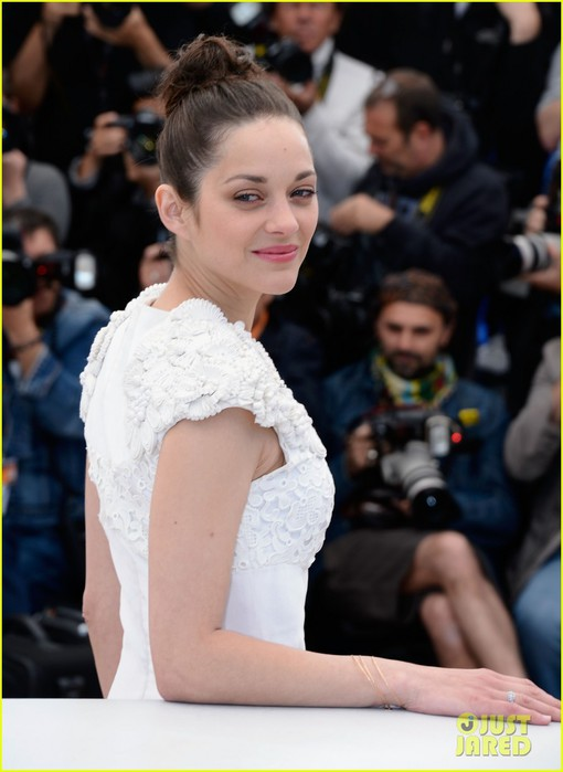 marion-cotillard-jeremy-renner-cannes-the-immigrant-photo-call-02 (510x700, 66Kb)