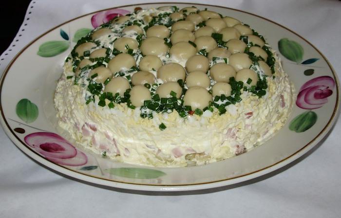 Салат с маринованными шампиньонами ГРИБНАЯ ПОЛЯНКА (700x448, 80Kb)