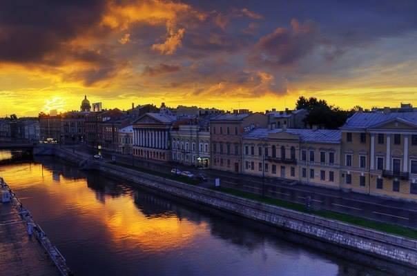 Вечерняя улица Санкт-Петербурга, Россия (604x400, 31Kb)
