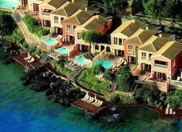 Дома на побережье острова Корфу, Греция (604x439, 83Kb)