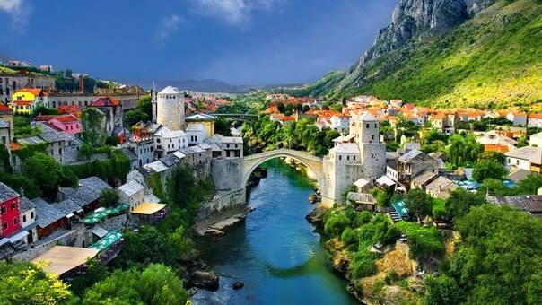 Мост через Неретву в городе Мостар, Босния и Герцеговина (604x340, 46Kb)