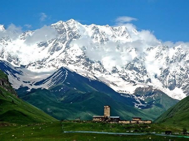 Потрясающие горы в Грузии (604x453, 49Kb)