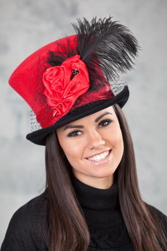 Женская шляпа цилиндр