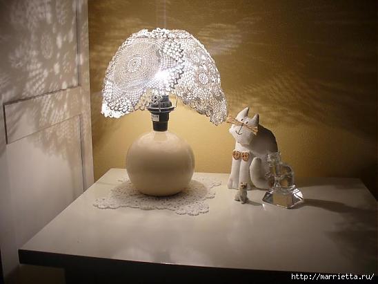 Абажур для лампы из миски и вязаных салфеток (5) (548x411, 87Kb)