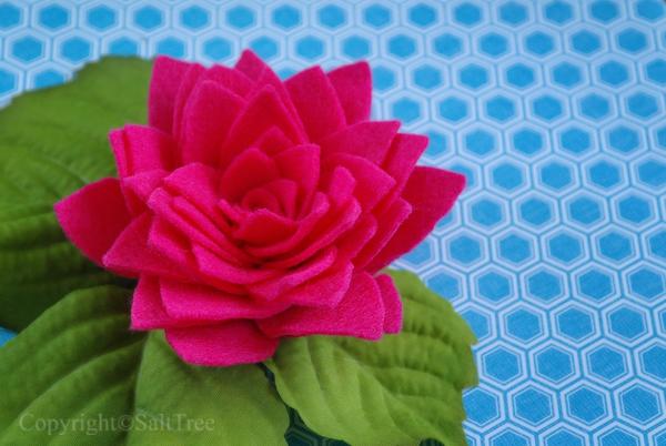 Цветы своими руками. Кувшинка из войлока (11) (600x402, 250Kb)