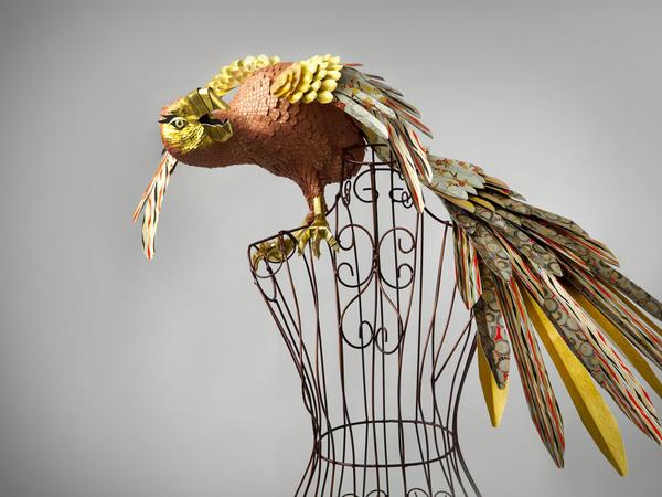 91729829_bumazhnuye_skulpturuy_ptic_Julie_Wilkinson_i_Joyanne_Horscroft (600x450, 92Kb)
