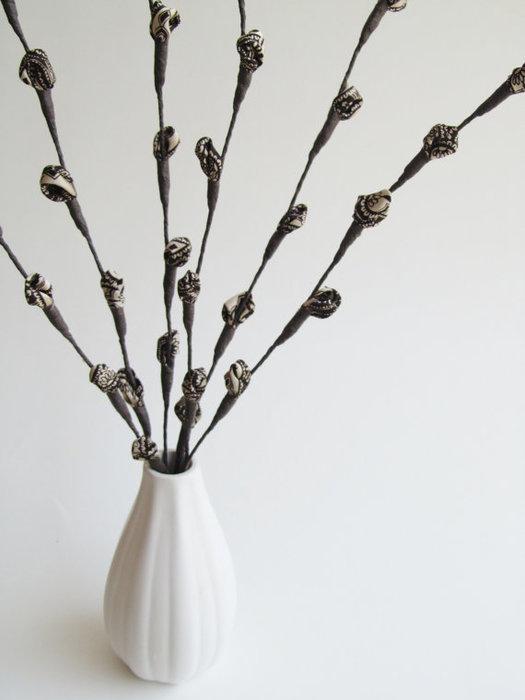 Текстильные цветы и веточки на проволоке и декор вазы тканью (28) (525x700, 39Kb)