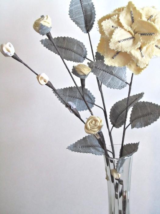Текстильные цветы и веточки на проволоке и декор вазы тканью (38) (525x700, 76Kb)