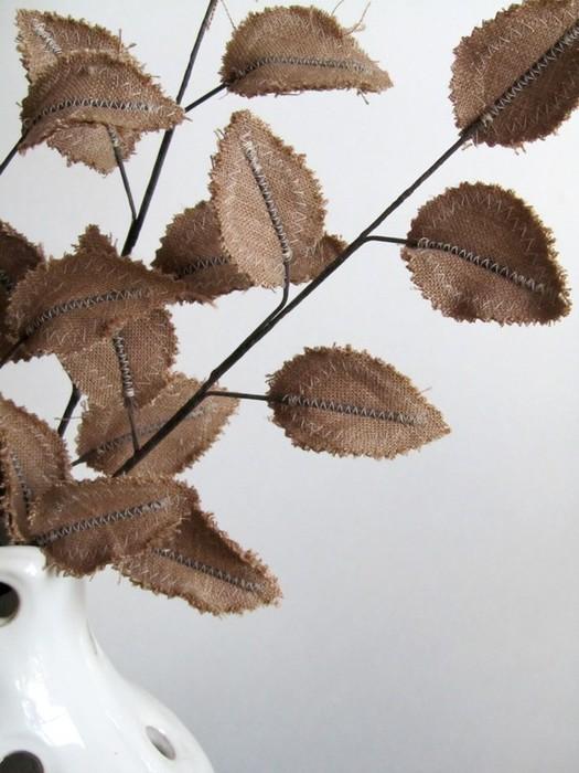 Текстильные цветы и веточки на проволоке и декор вазы тканью (40) (525x700, 86Kb)