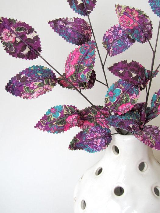 Текстильные цветы и веточки на проволоке и декор вазы тканью (42) (525x700, 99Kb)