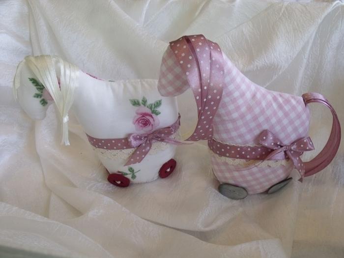 Нежные текстильные лошадки. Фото идея (2) (700x525, 207Kb)