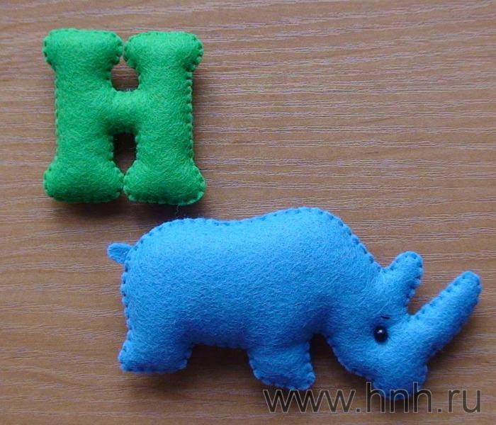 Фетровый алфавит с игрушками из фетра (28) (700x600, 70Kb)