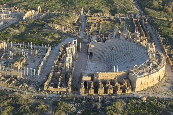 древние руин рима в ливии фото Jason Hawkes (700x466, 140Kb)