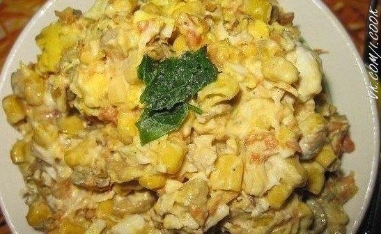 Салат с грибами и кукурузой с фото