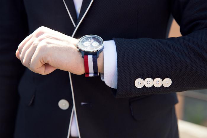 Какие знаменитости носят часы diesel