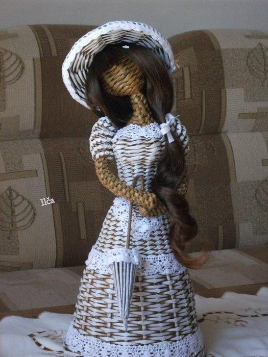 Плетение. Куколка из газетных трубочек (1) (525x700, 86Kb)