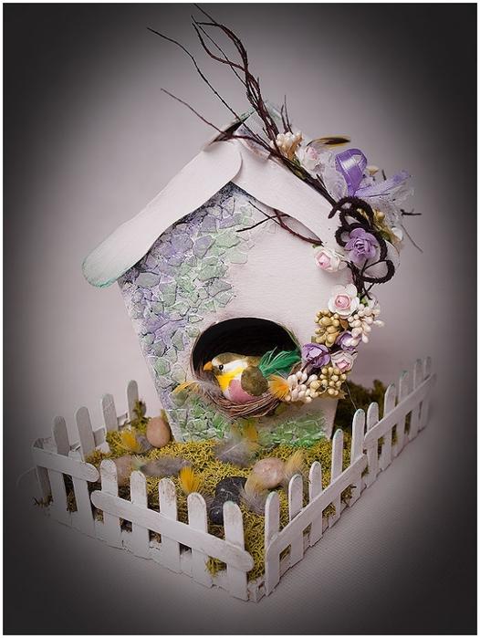 Домик для птички из картона, палочек от мороженого, с мозаикой из яичной скорлупы (28) (526x700, 227Kb)
