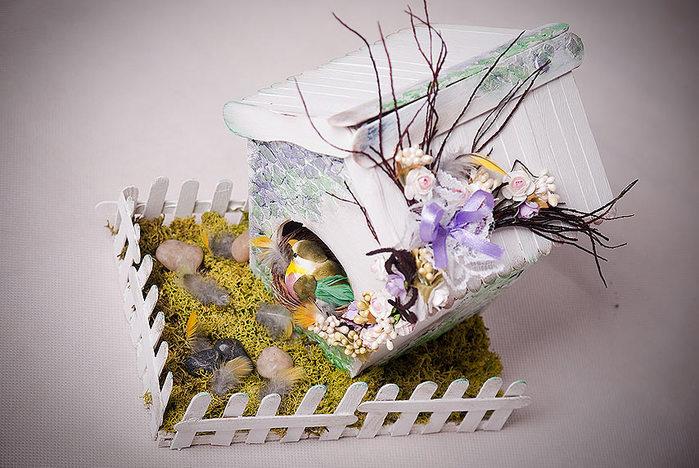 Домик для птички из картона, палочек от мороженого, с мозаикой из яичной скорлупы (32) (700x468, 95Kb)