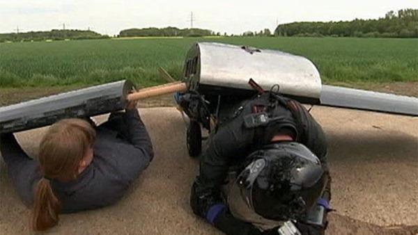 Реактивное крыло из Германии делает из человека самолет. Фотографии