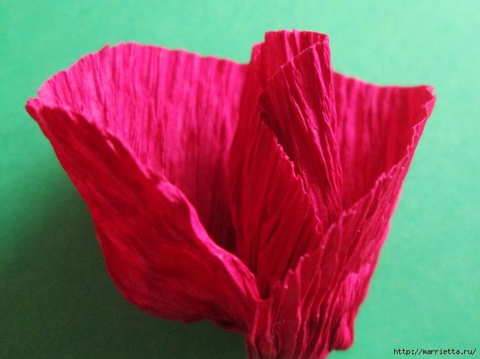Розочки из вискозных салфеток. Цветочное панно - валентинка (12) (700x523, 228Kb)
