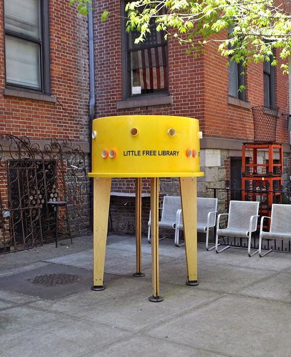 социальный проект уличная библиотека в нью-йорке (570x700, 189Kb)