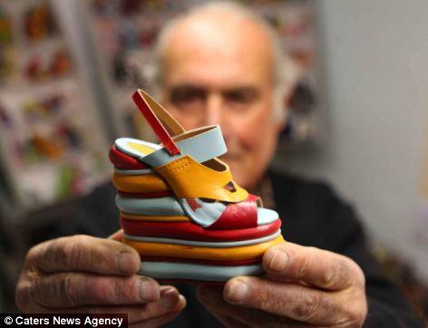 миниатюрные туфли Мануэль Бордера 5 (472x362, 22Kb)