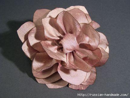 Как сделать цветочек из шелка и органзы. Мастер-класс (21) (430x323, 65Kb)