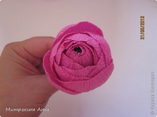 бутоны роз из гофрированной бумаги. мастер-класс (18) (520x390, 21Kb)