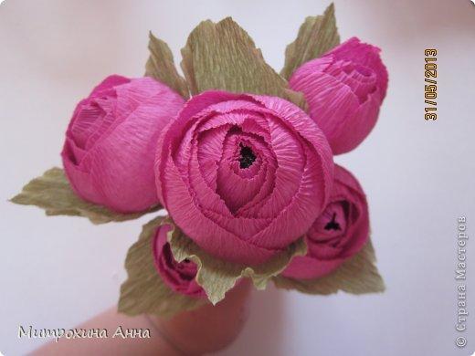 бутоны роз из гофрированной бумаги. мастер-класс (22) (520x390, 29Kb)