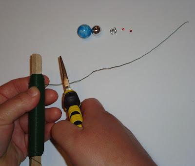 Бисероплетение. Паучки из бисера. Мастер-класс (17) (400x340, 24Kb)