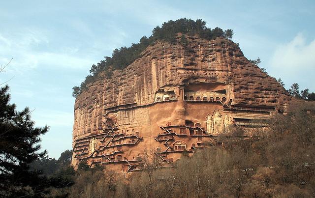 буддийский комплекс Майцзишань китай (640x403, 120Kb)