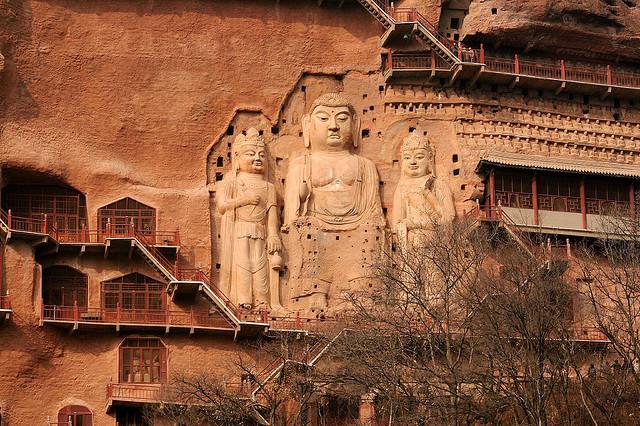 буддийский комплекс Майцзишань китай 2 (640x426, 169Kb)