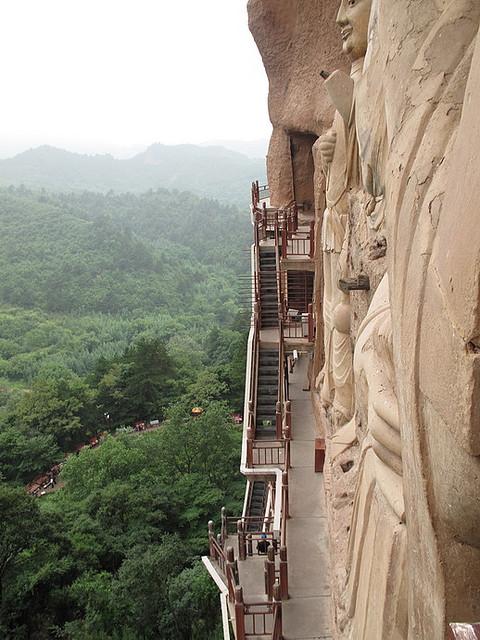 буддийский комплекс Майцзишань китай 8 (480x640, 121Kb)