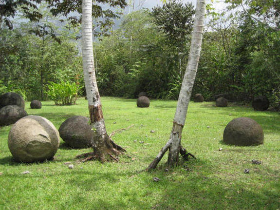 Bolas decorativas feitas de cimento para o jardim.  Idéias e master class (27) (575x431, 71KB)