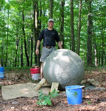 Bolas decorativas feitas de cimento para o jardim.  Idéias e master class (41) (350x366, 91Kb)