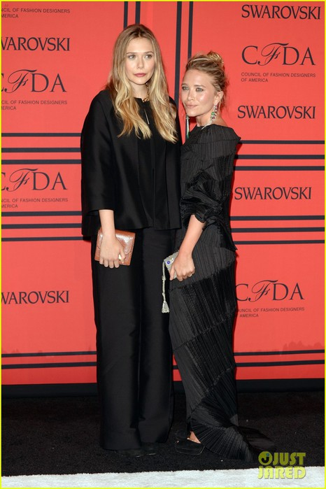 elizabeth-mary-kate-olsen-cfda-fashion-awards-2013-01 (466x700, 81Kb)