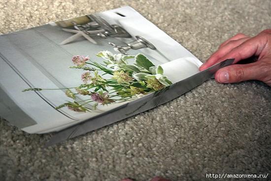 Как сделать сумочку для подарка из журнальных страниц (1) (550x367, 134Kb)