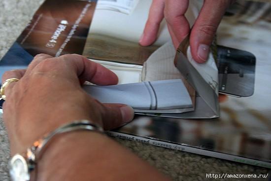 Как сделать сумочку для подарка из журнальных страниц (5) (550x367, 90Kb)