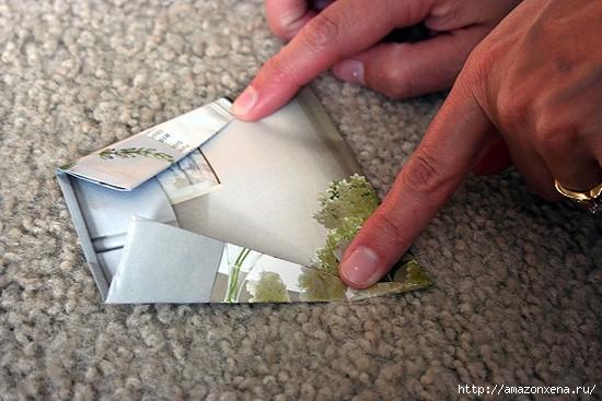 Как сделать сумочку для подарка из журнальных страниц (11) (550x367, 134Kb)